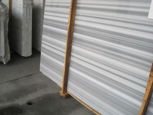 Vertical stripe White